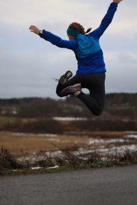 Hyppy lenkin lomassa